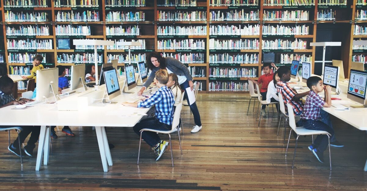 Vilã ou heroína: qual é a verdadeira identidade da tecnologia na educação das novas gerações?