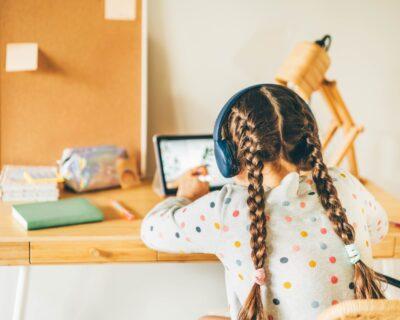 A satisfação do cliente na educação a distância: como conectar a melhor experiência